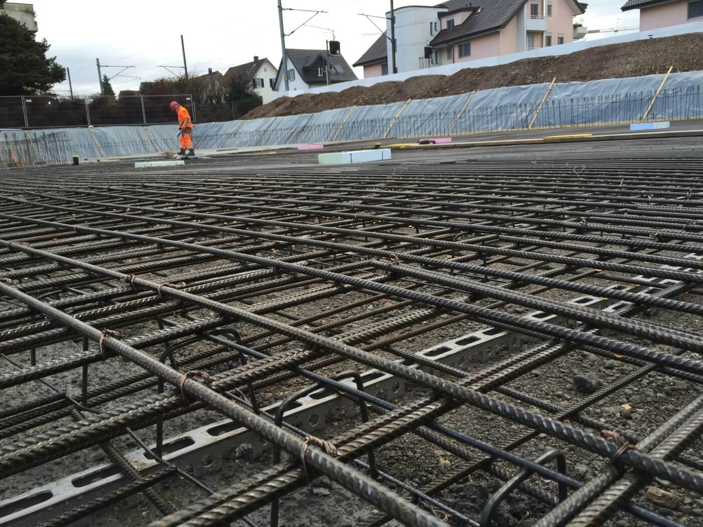 Wohnüberbauung an der Greithstrasse in Rapperswil: Bodenplatte wird betoniert