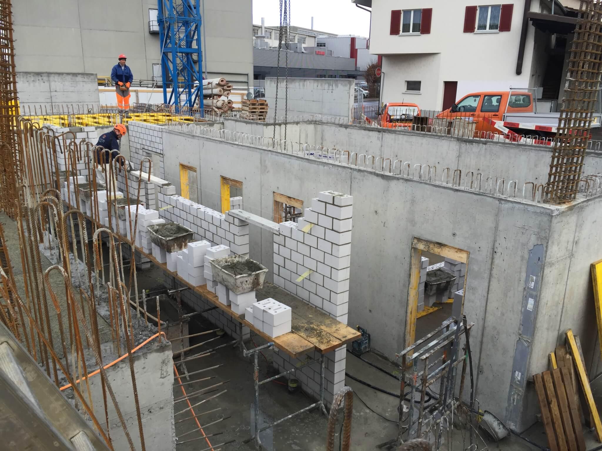 Wohnüberbauung an der Greithstrasse in Rapperswil: Maurerarbeiten im UG / Armierung Garagendecke