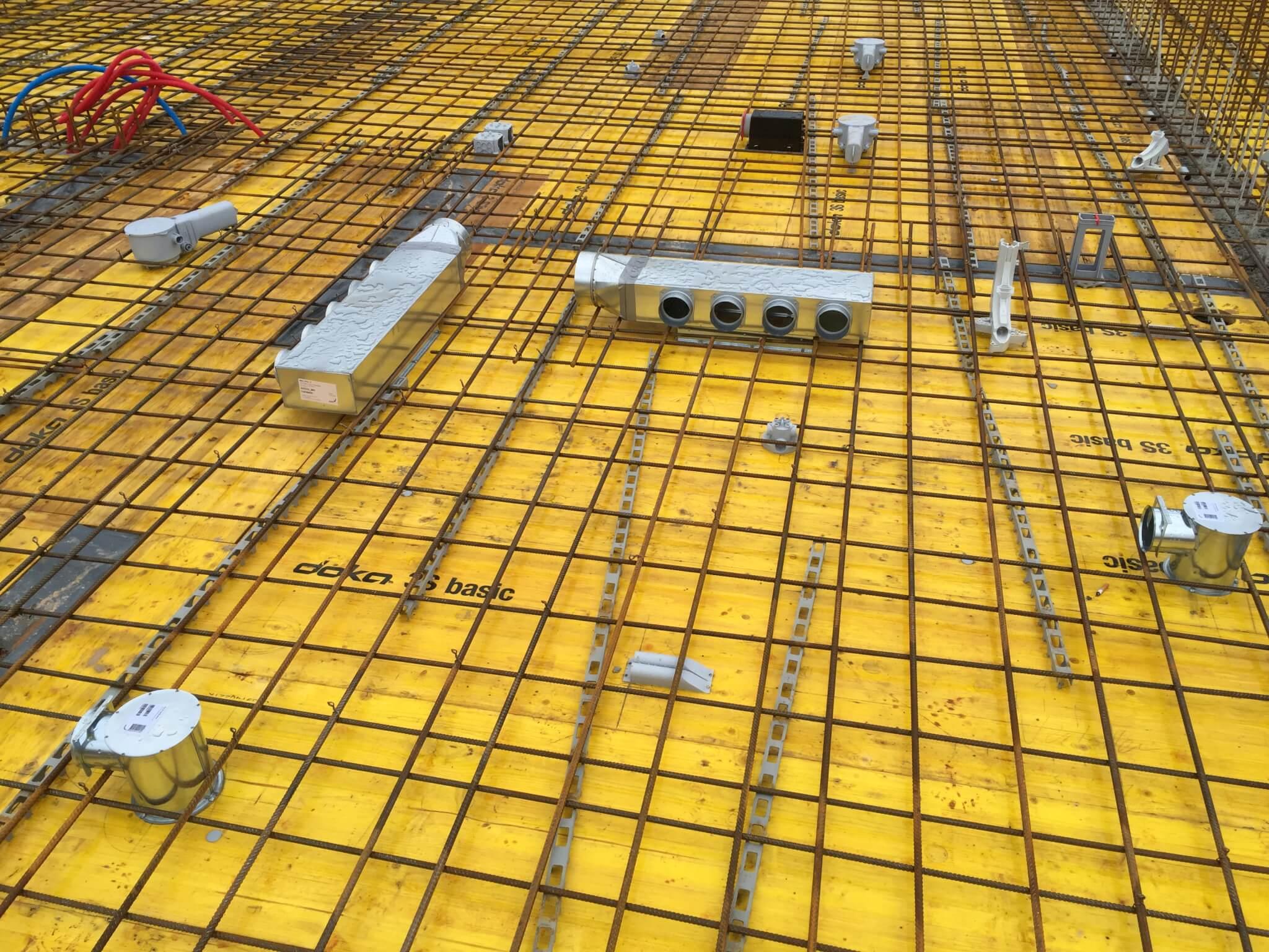 Wohnüberbauung an der Greithstrasse in Rapperswil: Einlegearbeiten Decke über EG