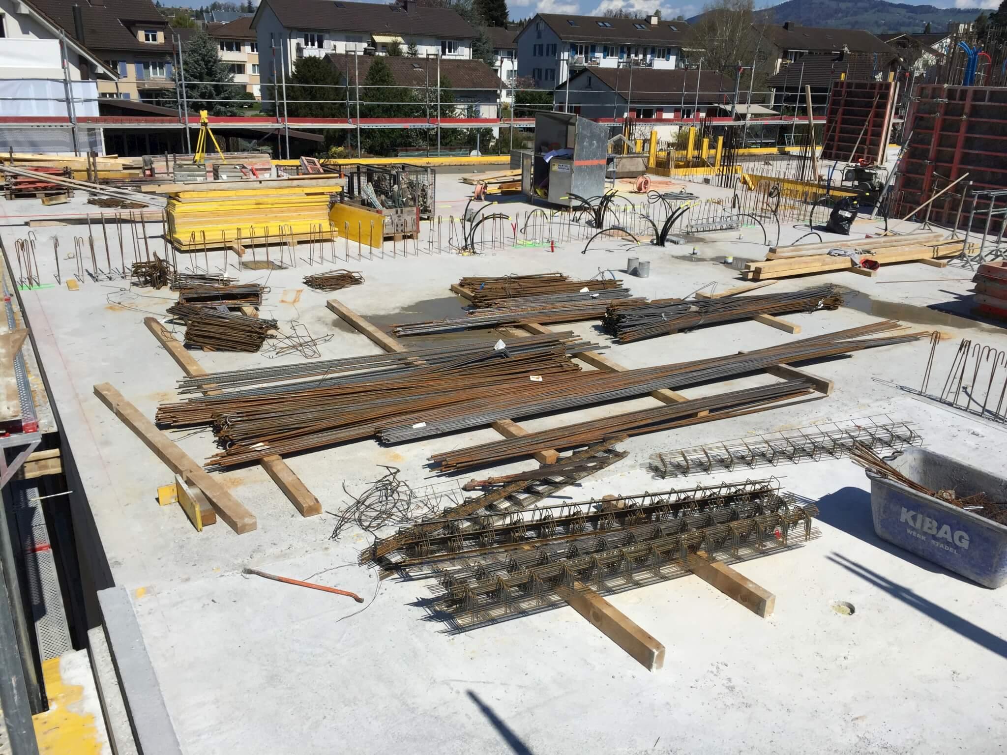 Wohnüberbauung an der Greithstrasse in Rapperswil: Die Decke über EG ist betoniert