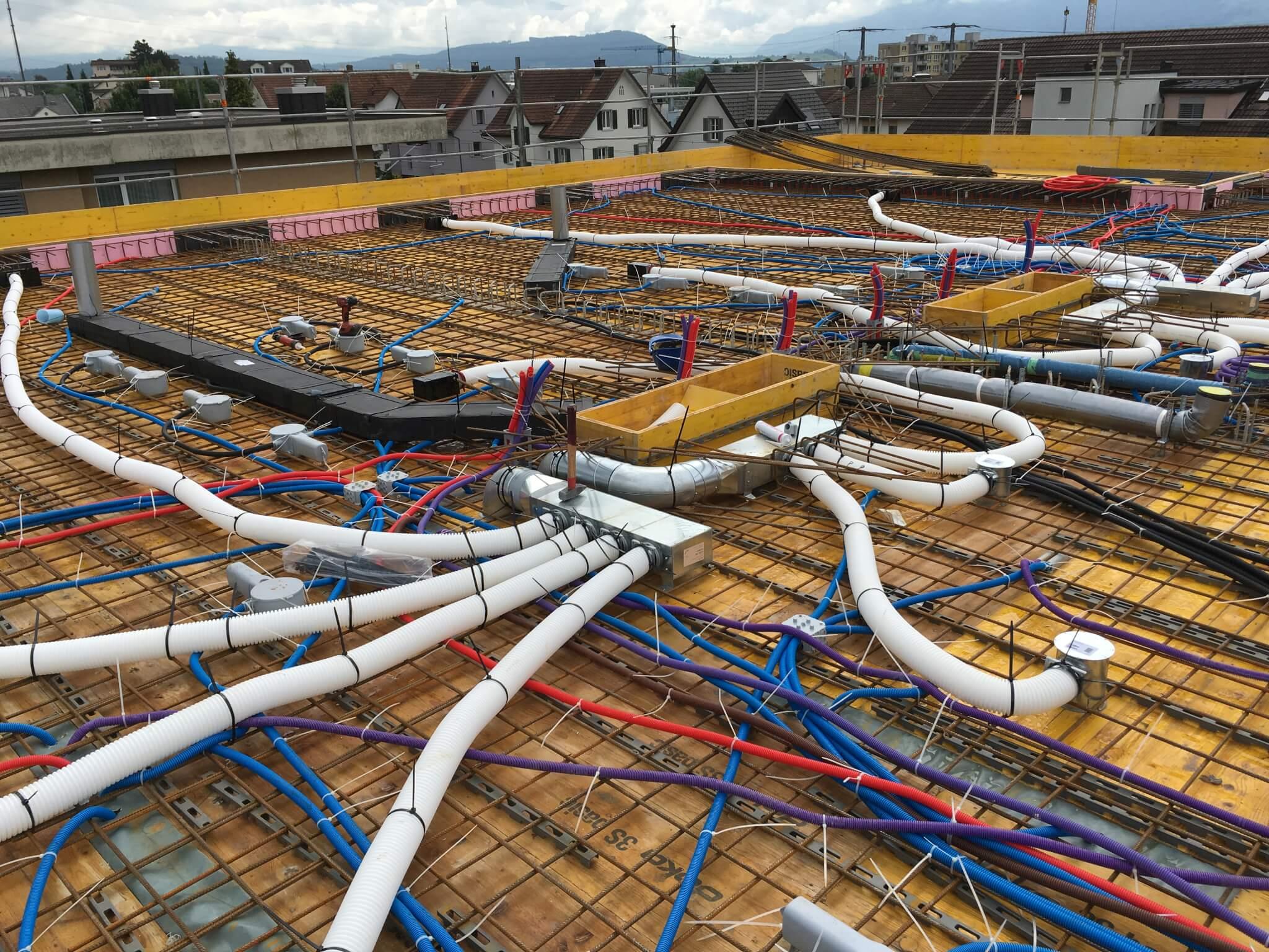 Wohnüberbauung an der Greithstrasse in Rapperswil: Einlagen in der letzte Decke